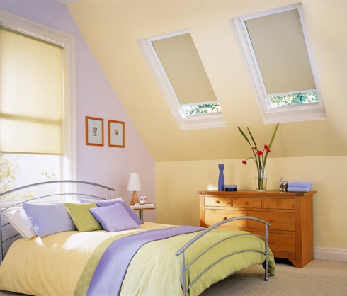delicate spring colours for blinds and bedding are ideal for a spring decor